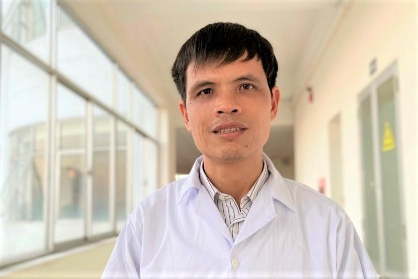 Thầy Vũ Văn Cát, giáo viên dạy môn Vật Lý của Trường THPT Kinh Môn 2 (huyện Kinh Môn, tỉnh Hải Dương), đã có 2 bài báo khoa học được đăng trên tạp chí uy tín thế giới chỉ trong 2 năm liền.