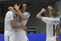 Cavani và Suarez lập công, Uruguay đè bẹp Colombia