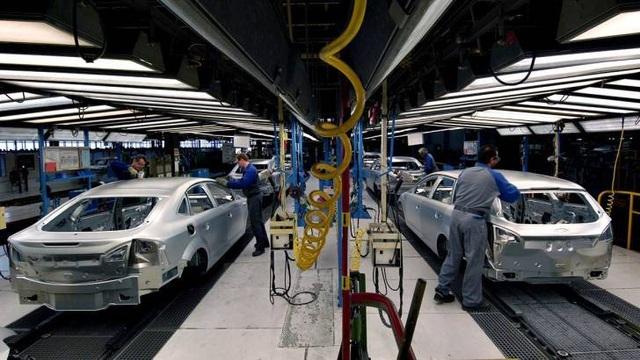 Lên kế hoạch bãi bỏ thuế tiêu thụ đặc biệt đối với ô tô sản xuất ở Việt Nam