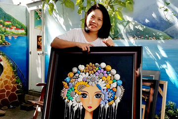 Beautiful paintings made from waste