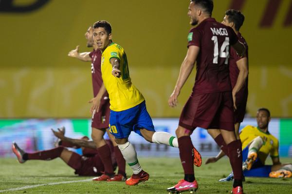 Brazil thắng chật vật: Điệu samba xấu xí