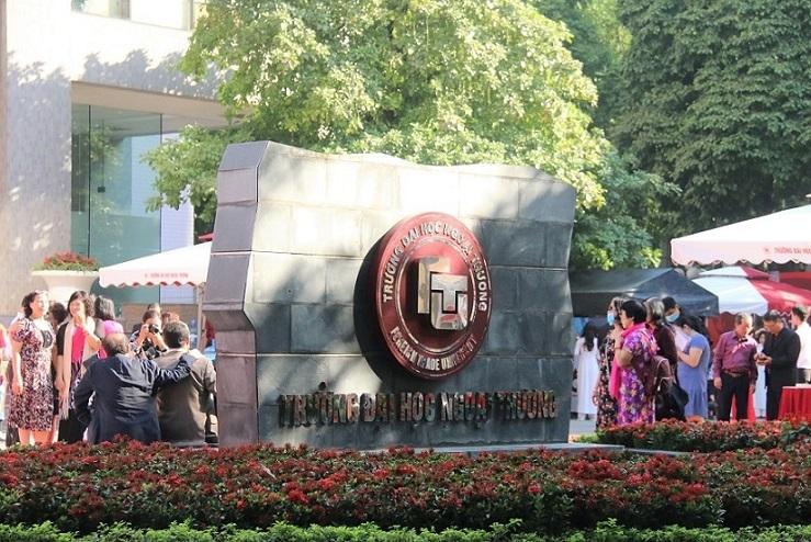 Trường Đại học Ngoại thương kỉ niệm 60 năm thành lập
