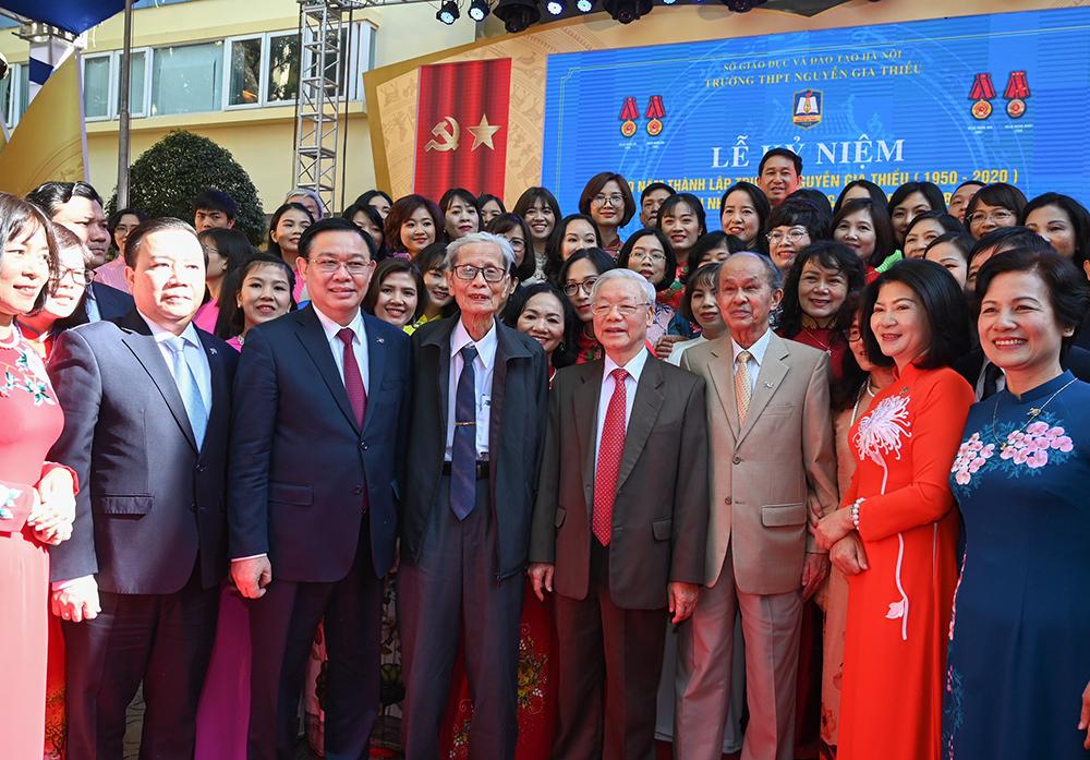 Tổng Bí thư dự kỉ niệm 70 năm thành lập trường THPT Nguyễn Gia Thiều