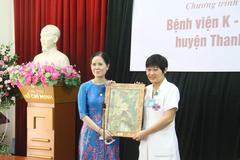 Quỹ tranh thiện nguyện tặng tranh cho Bệnh viện K