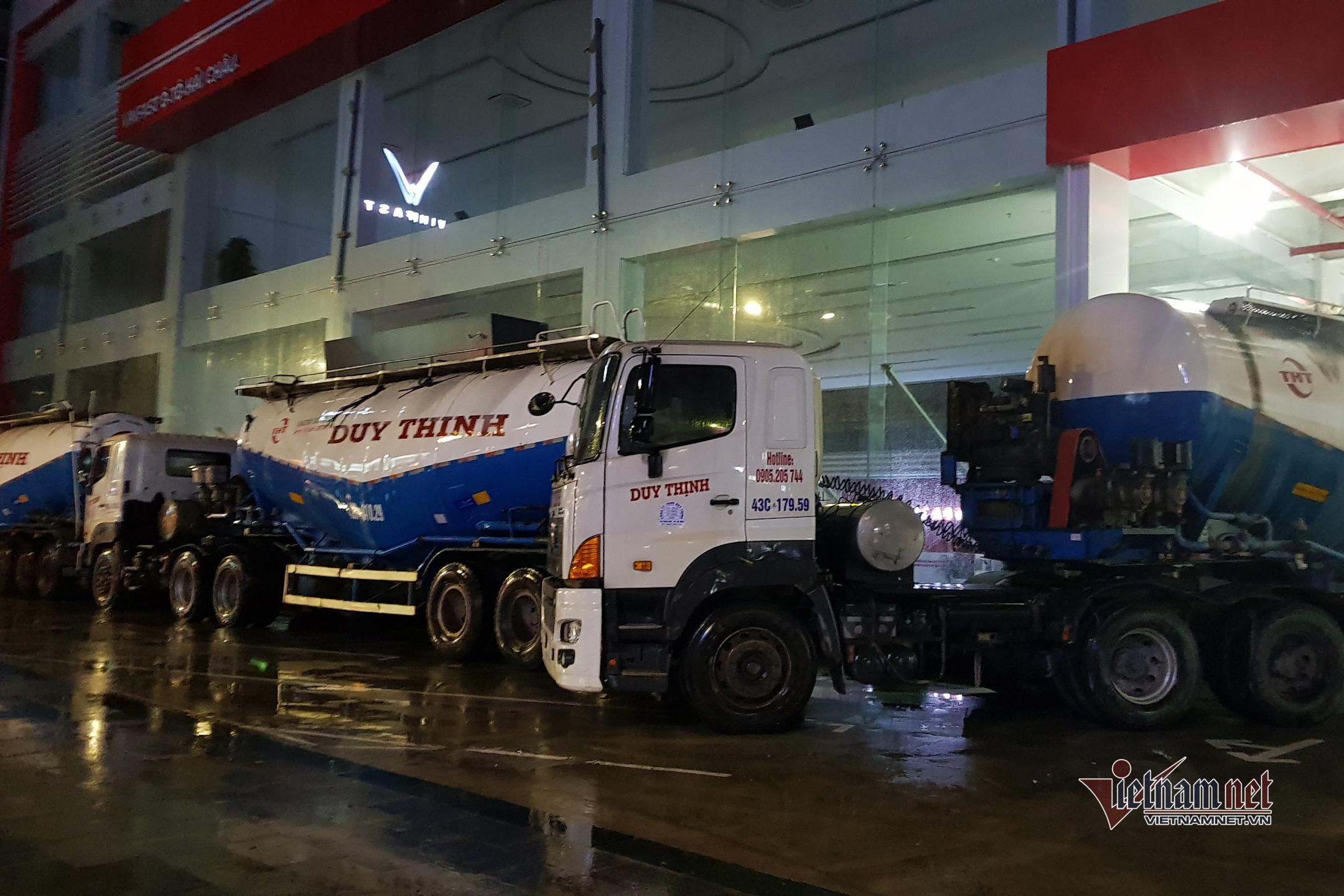 Bão 13 áp sát đất liền, Đà Nẵng phong tỏa cầu, đường phố vắng tanh