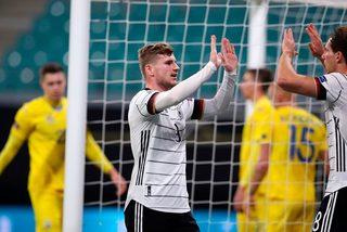 Timo Werner lập cú đúp, Đức chiếm ngôi đầu bảng