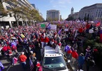 Hàng chục nghìn người tuần hành ở Washington ủng hộ ông Trump