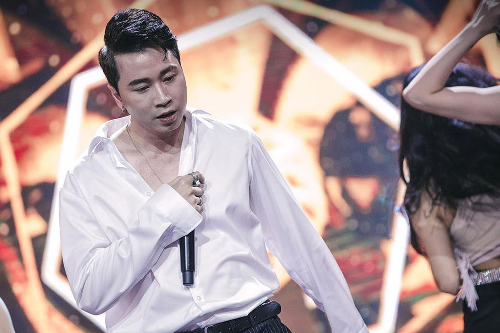 Karik khóc, hối hận vì chọn sai chủ đề cho G-Ducky ở Rap Việt