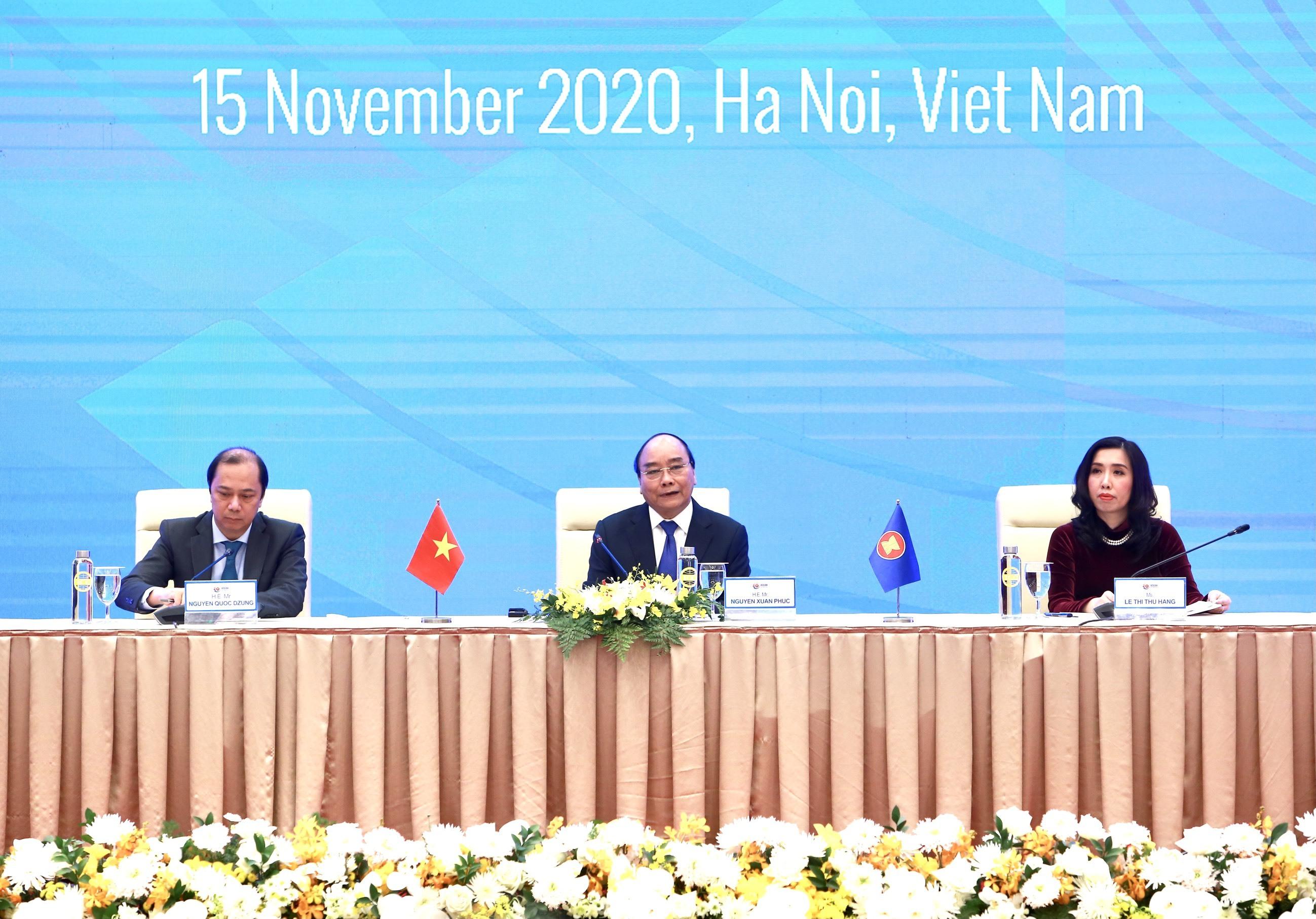 Thủ tướng Nguyễn Xuân Phúc trả lời về cạnh tranh giữa các nước lớn