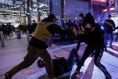 Bạo lực bùng phát ở Washington, ông Trump kêu gọi cảnh sát không nương tay