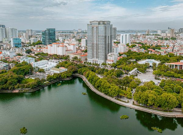 Thực hư cung điện đá D'. Palais Louis không dành cho 99,9875% người Việt