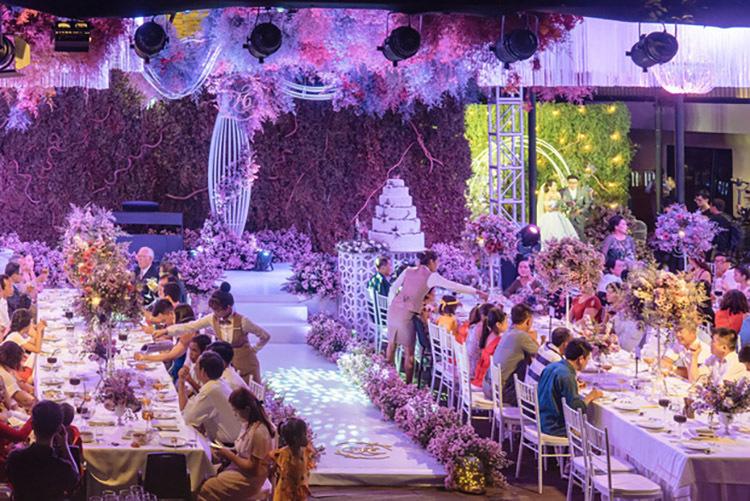 Công Phượng cưới vợ: Tổ chức 3 nơi, khách mời phải quẹt thẻ từ