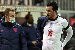 Lampard méo mặt nhận tin dữ Ben Chilwell