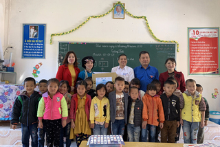 Thầy cô người dân tộc thiểu số - ngát hương những bông hoa đẹp ngành giáo dục