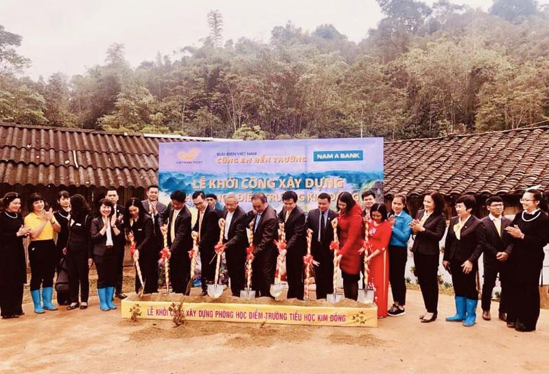 Bưu điện tiếp bước học sinh miền núi Lạng Sơn đến trường