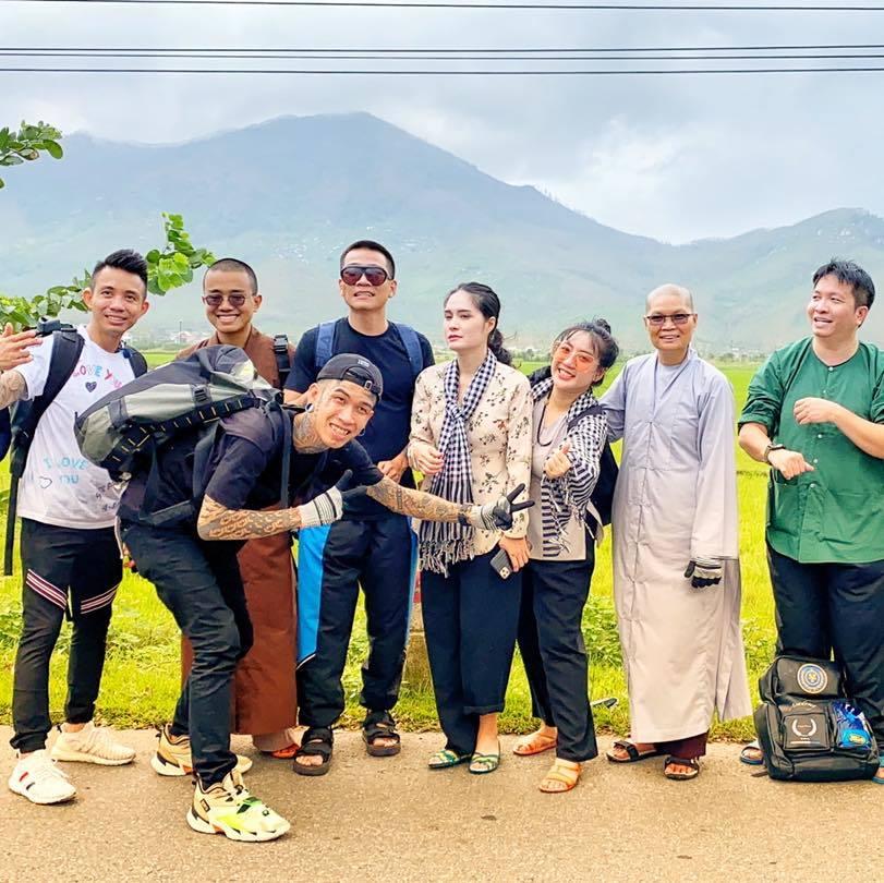 Wowy và Dế Choắt đi từ thiện miền Trung sau chiến thắng ở Rap Việt