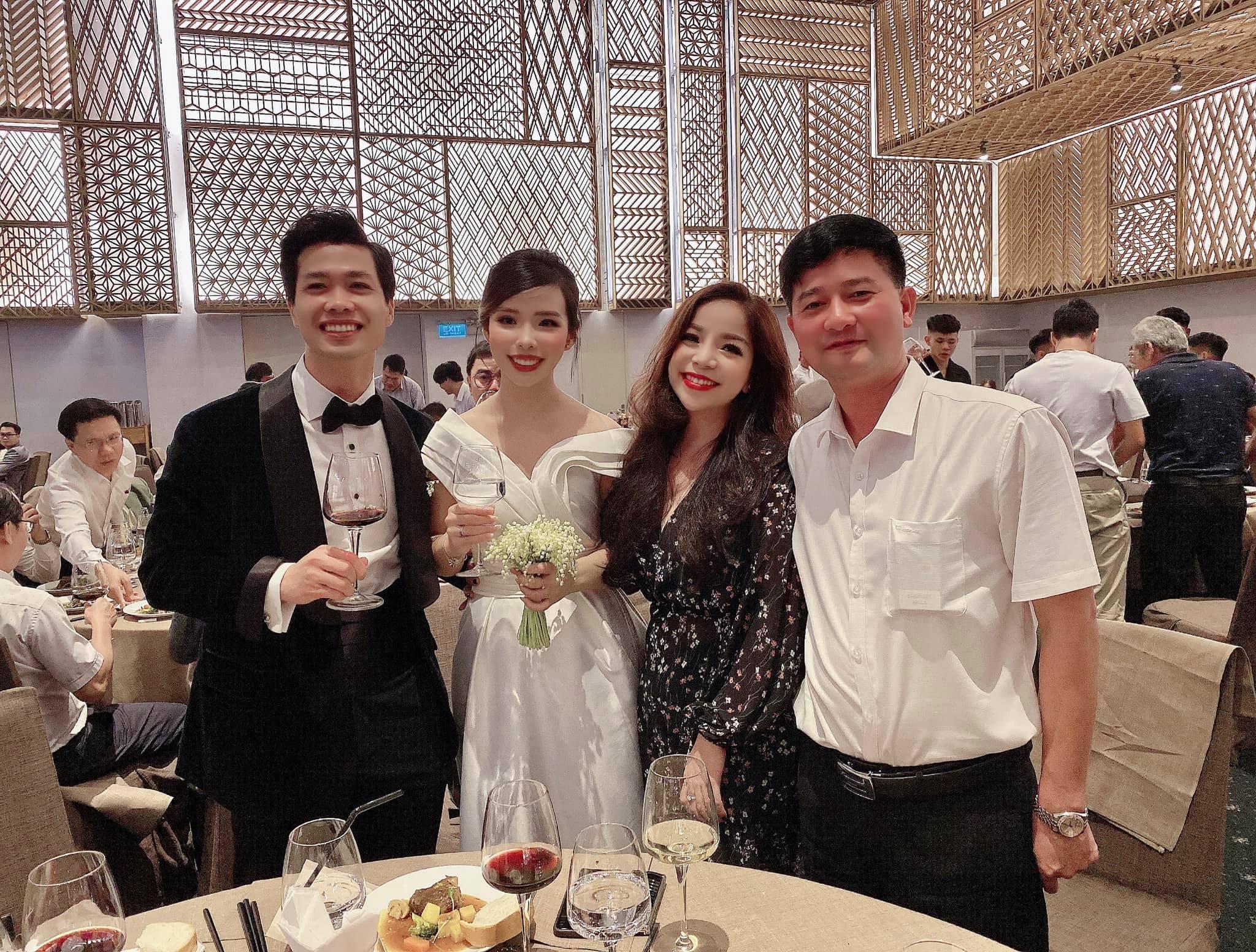 Ca sĩ Minh Chuyên rơi nước mắt chứng kiến hạnh phúc của Công Phượng