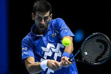 Djokovic thắng dễ trận ra quân ATP Finals 2020