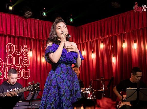 Phương Phương Thảo cháy hết mình trong minishow 'Cho người tình lỡ'