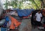 """Tiếng kêu cứu tuyệt vọng bên trong """"túp lều rách"""" giữa lòng Sài Gòn"""