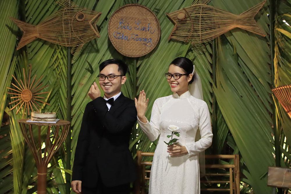 Đám cưới không bia rượu, tiền mừng của nữ quản lý và chàng thợ tre