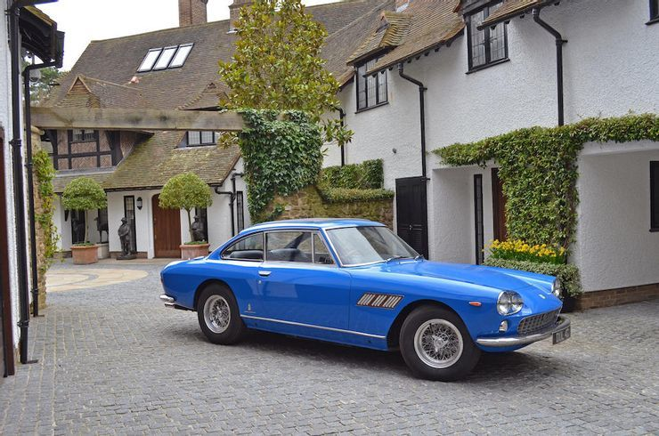 Khám phá chiếc siêu xe đầu tiên của huyền thoại John Lennon