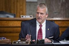 Nghị sĩ Mỹ cãi nhau giữa Thượng viện về việc đeo khẩu trang
