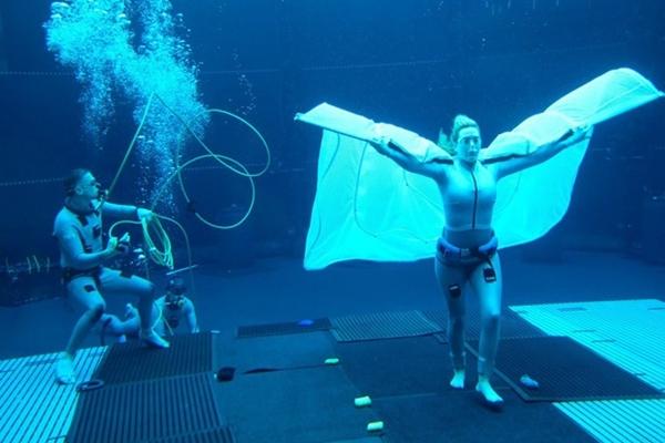 Kate 'Titanic' nín thở hơn 7 phút quay phim, phá kỷ lục của Tom Cruise