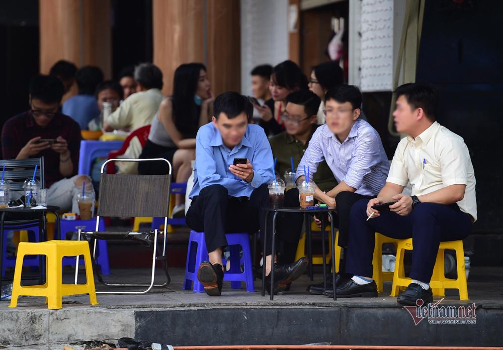 Phạt tới 3 triệu đồng, nhiều người Sài Gòn vẫn thờ ơ với khẩu trang