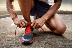 Chàng trai 29 tuổi chăm tập thể thao không tin mình bị ung thư