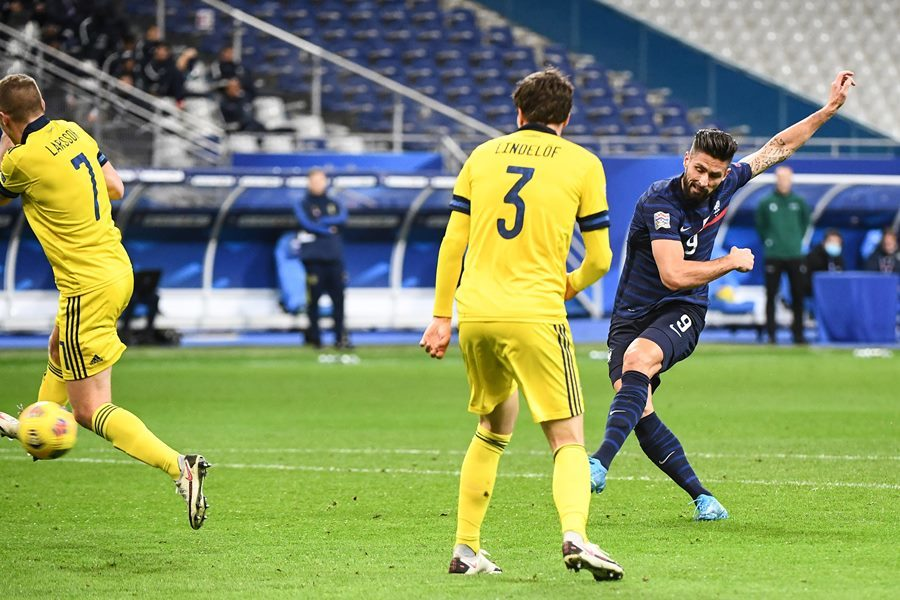 Giroud lập cú đúp, Pháp hùng dũng vào bán kết
