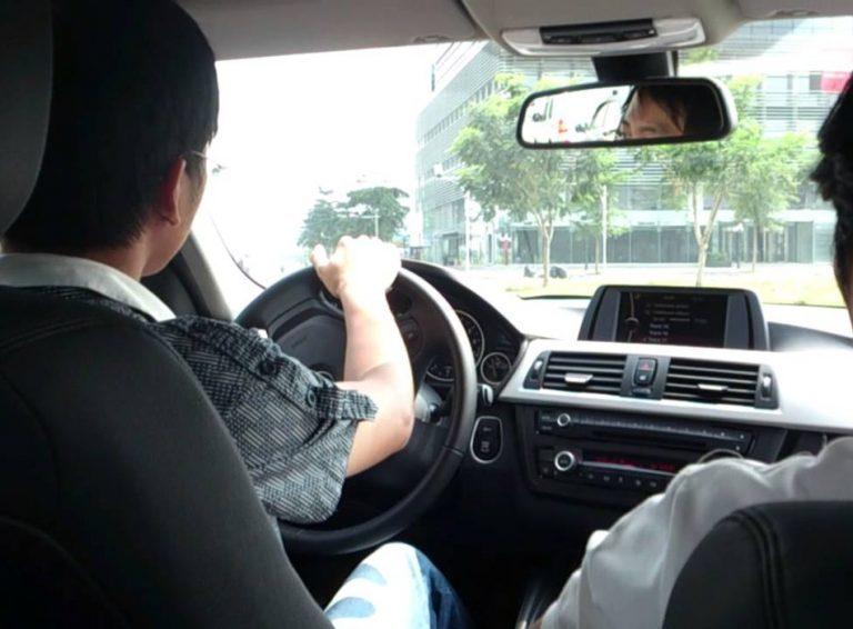 Bằng lái cất tủ: Tôi ngượng ngùng khi bị người khác nhờ lái xe
