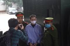 Tử hình cha dượng hành hạ bé 3 tuổi đến chết ở Hà Nội