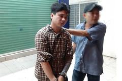 Nữ nhân viên spa bị kẻ trốn truy nã cướp túi xách