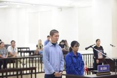 Mẹ và cha dượng hành hạ con đến chết và phiên tòa đẫm nước mắt