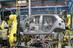 Vietnam gov't eyes further preferential policies to support automobile industry