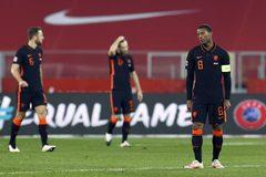 """Bắn hạ """"Đại bàng trắng"""", Hà Lan vẫn ngậm ngùi dừng bước"""
