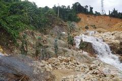 Ngăn đập, nắn dòng chảy tìm kiếm 12 công nhân mất tích ở Rào Trăng 3