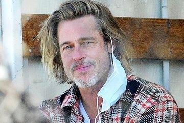 Brad Pitt lần đầu lộ diện sau chia tay bạn gái kém 30 tuổi