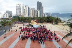 1000 bạn trẻ chung tay dọn rác sau bão ở Đà Nẵng