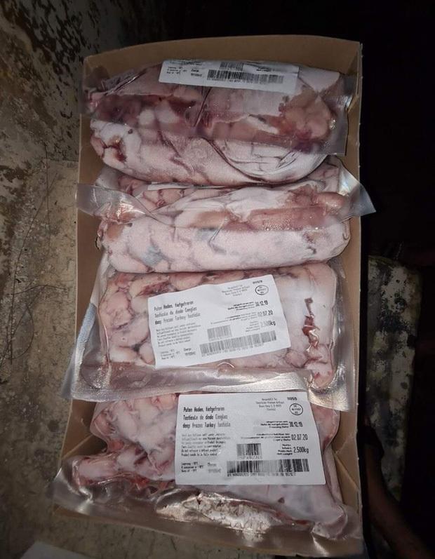 Kê gà, đuôi bò, chân giò heo đông lạnh giá chỉ vài chục nghìn đồng/kg