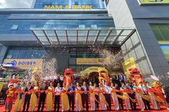 Nam A Bank tri ân khách hàng dịp khai trương ở Bạc Liêu