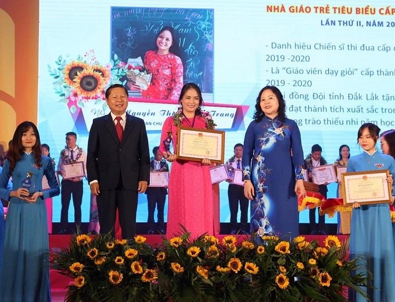 99 nhà giáo trẻ tiêu biểu được Trung ương Đoàn vinh danh