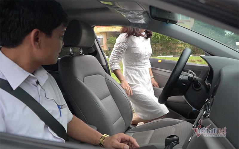 Thầy dạy lái xe và những chuyện bi hài về học trò