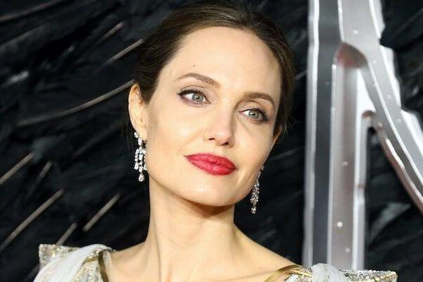 Angelina Jolie đạo diễn phim về phóng viên chiến trường từng chụp ở Việt Nam