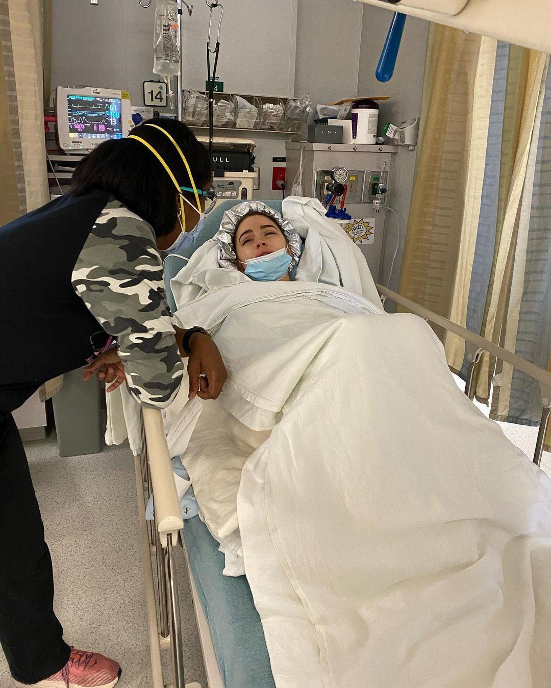 Hoa hậu Hoàn vũ Olivia Culpo phẫu thuật tử cung
