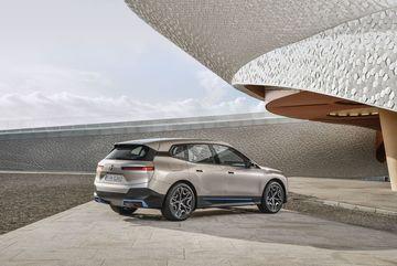 BMW sắp ra mắt mẫu Crossover điện công suất tới 500 mã lực