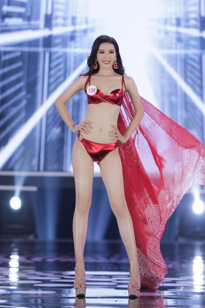 Top 22 người đẹp trình diễn áo tắm tại Hoa hậu Việt Nam 2020