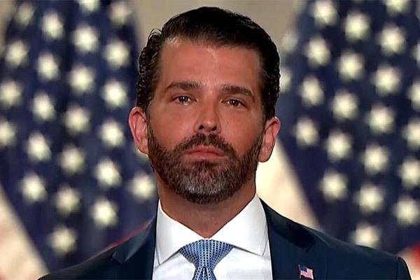 Tỉ lệ tử vong cao vọt ở Mỹ, con trai ông Trump mắc Covid-19