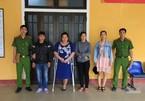 Khởi tố 4 người vụ lột đồ, đánh ghen kinh hoàng ở TT-Huế